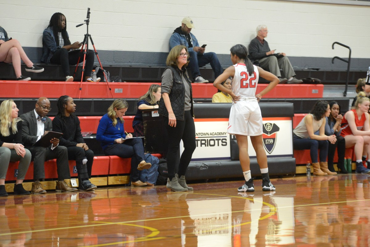 aed6ef59034d0 ... Girls Basketball  Retif Earns Victory 700