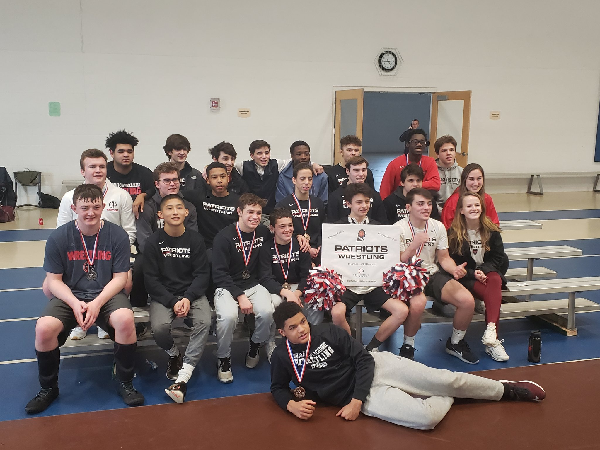 Wrestling Finishes Third at PAIS Championships