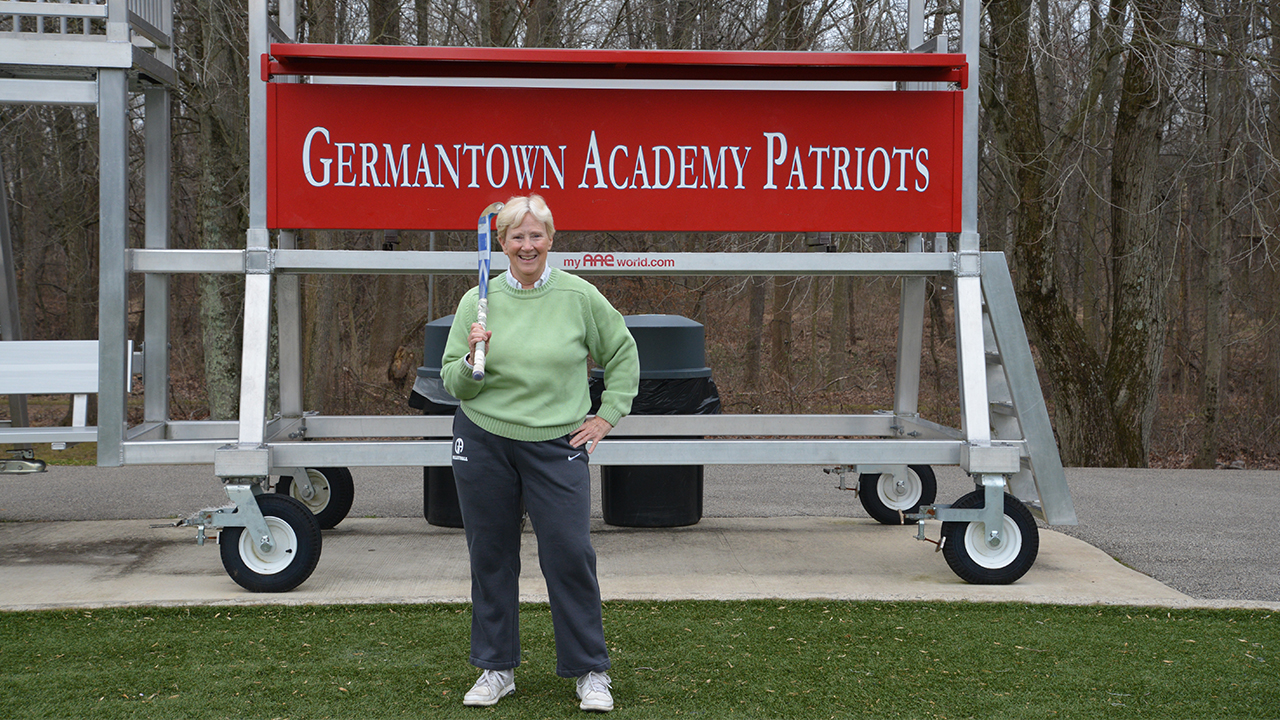 With Sticks in Hand, Ms. Hofmann Announces Retirement