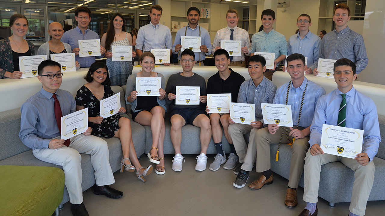 GA Inducts 18 New Members into Science National Honor Society